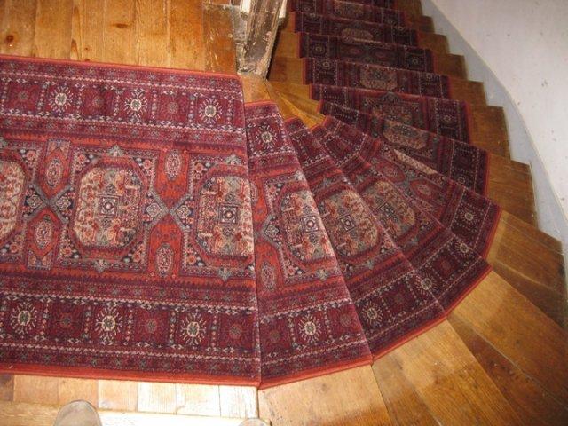 sp cialiste des tapis et passages pour escalier passages. Black Bedroom Furniture Sets. Home Design Ideas